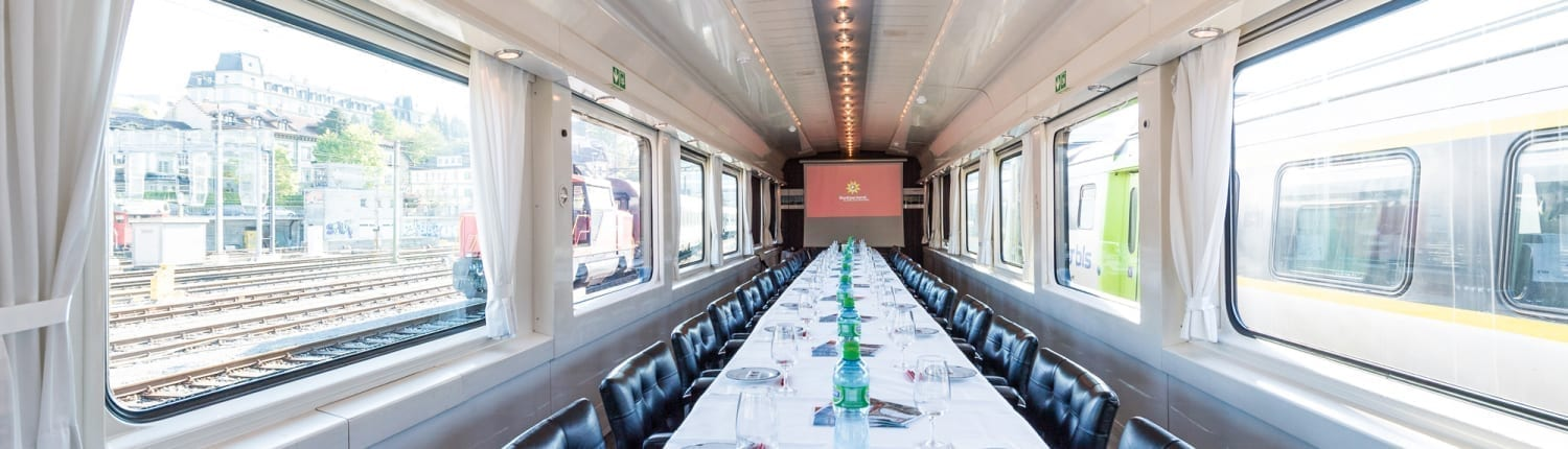 Charter Train - Salon de Luxe